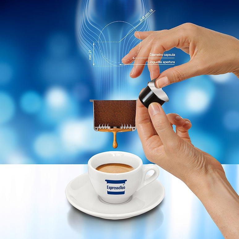 Immagine digitale mano caffe