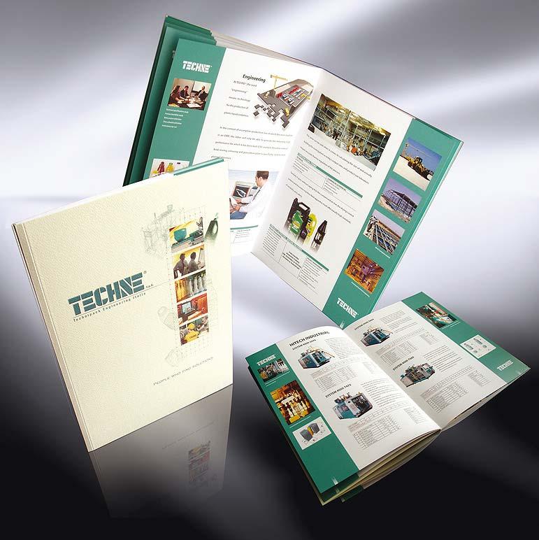 Cataloghi cartacei di azienda produttrice di macchine automatiche